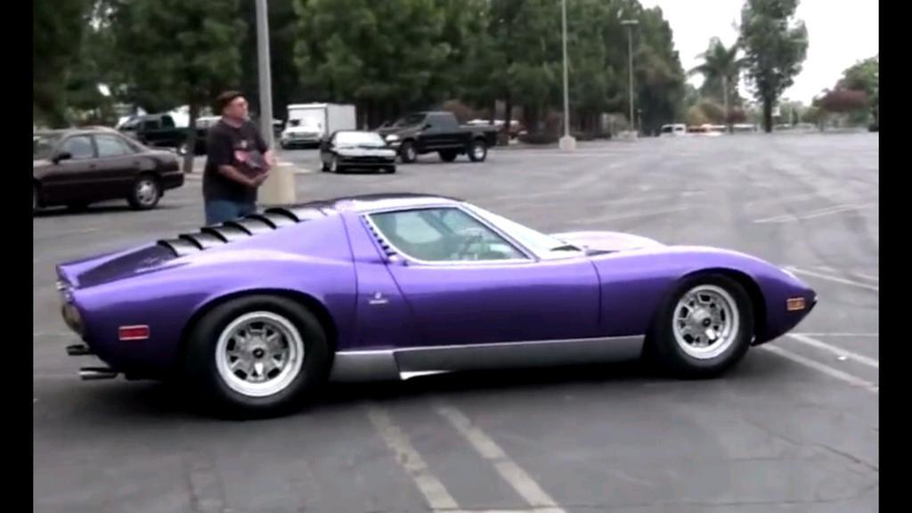 Lamborghini Miura @LeahRebeccaUK