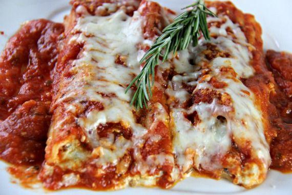 Manicotti With Italian Sausage And Cream Cheese Sauce Recipe Manicotti Recipe Manicotti Recipes