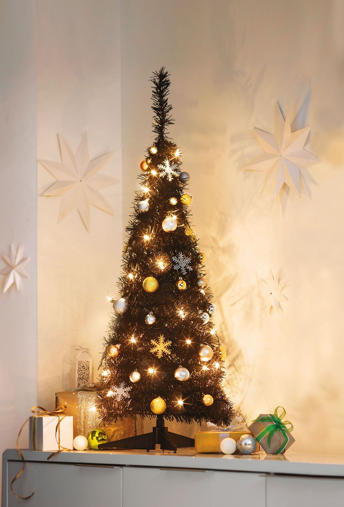 Mixing Black With Metallic Decorations This Pop Up Christmas Tree