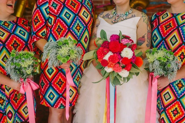 Colourful Mexican bridesmaid dresses + 1950s themed wedding | I take you #weddingideas #wedding