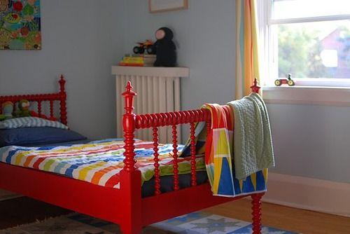 Letto Con Sponde Ikea : Konfetti cute boys room with ikea bedding love the red bed