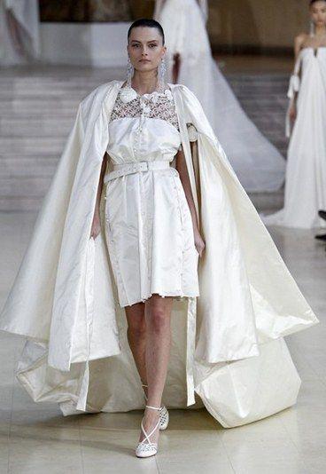 Alexis Mabille: Brautkleid mit Cape - Designer Brautkleider : wenn ...