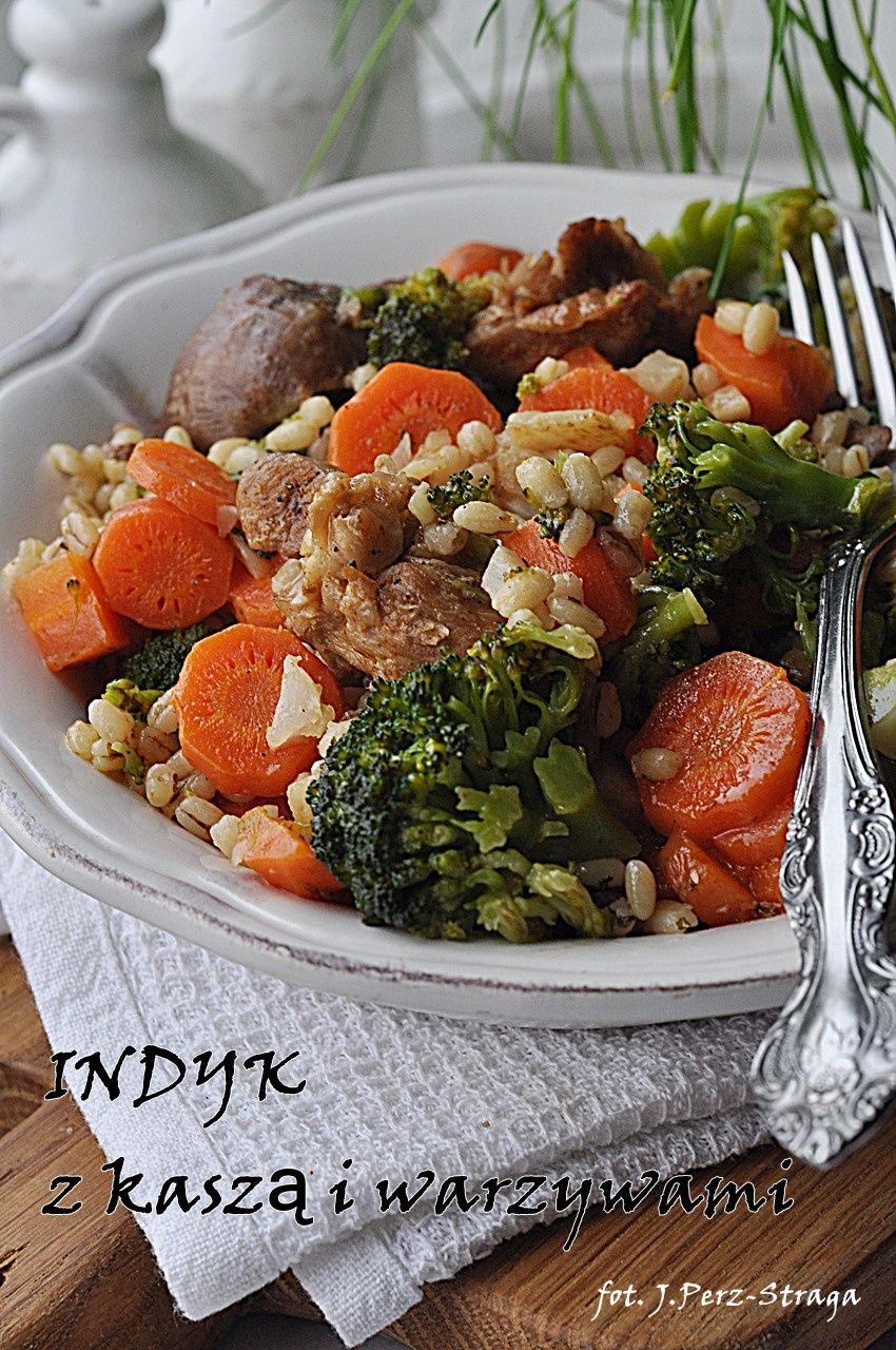 Dietetyczny Indyk Z Kasza I Warzywami Polecam Domowy Obiad Dla Calej Rodziny Z Chudym Miesem Zdrowa Kasza I Kolorowymi Warzywami Obiad J Recipes Food Salad
