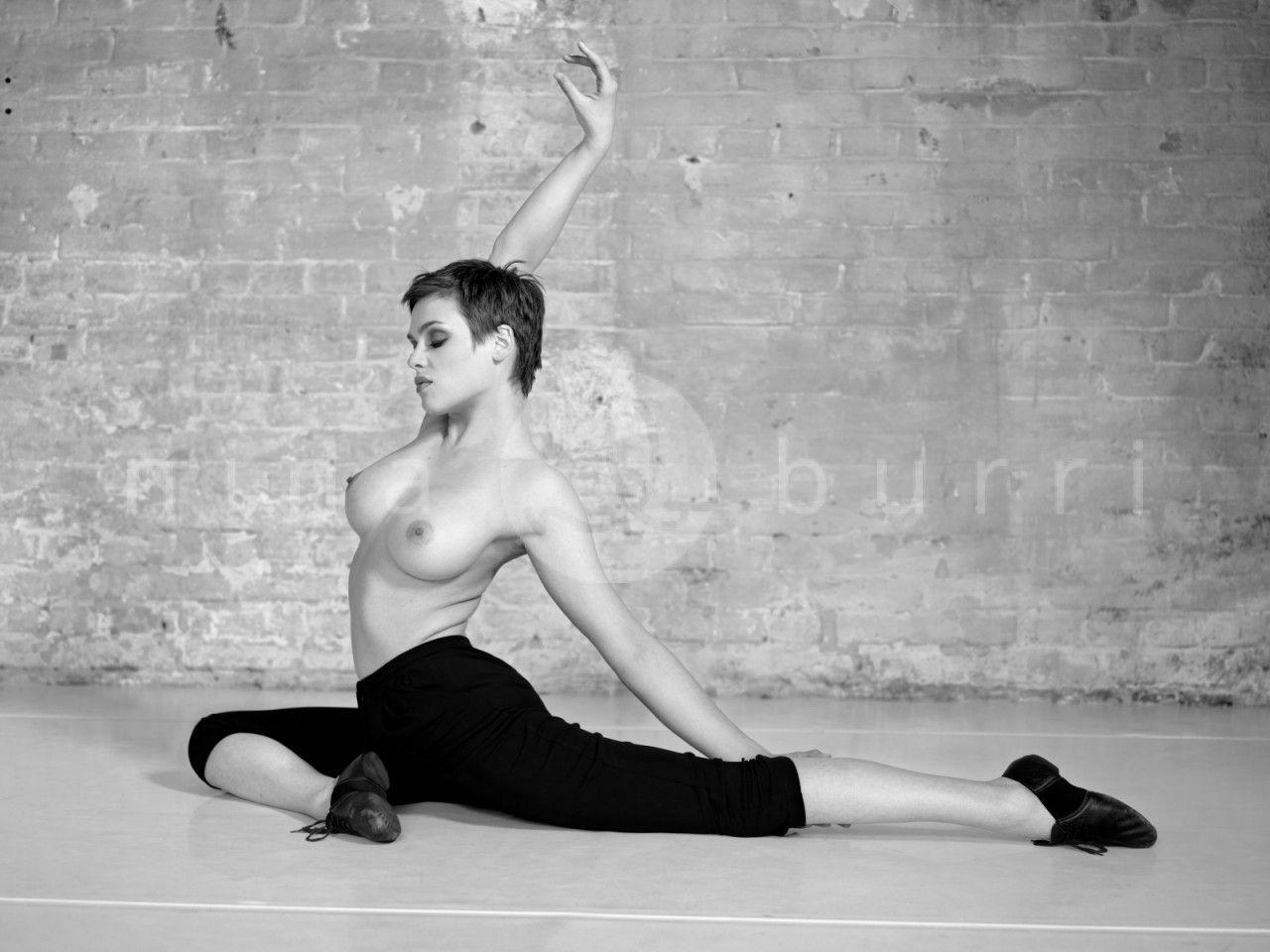 Feet Nina Burri naked (79 photos), Topless, Bikini, Selfie, in bikini 2015