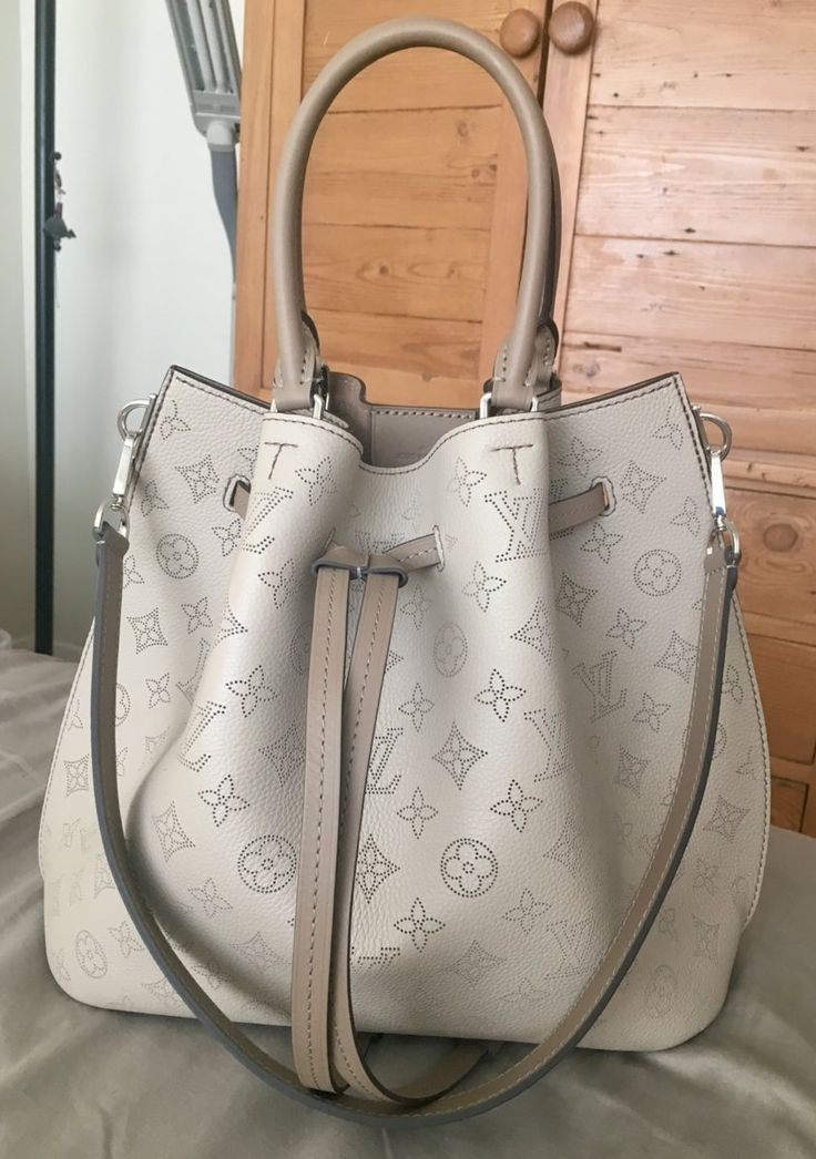 1ff47d126b70 LOUIS VUITTON 2018