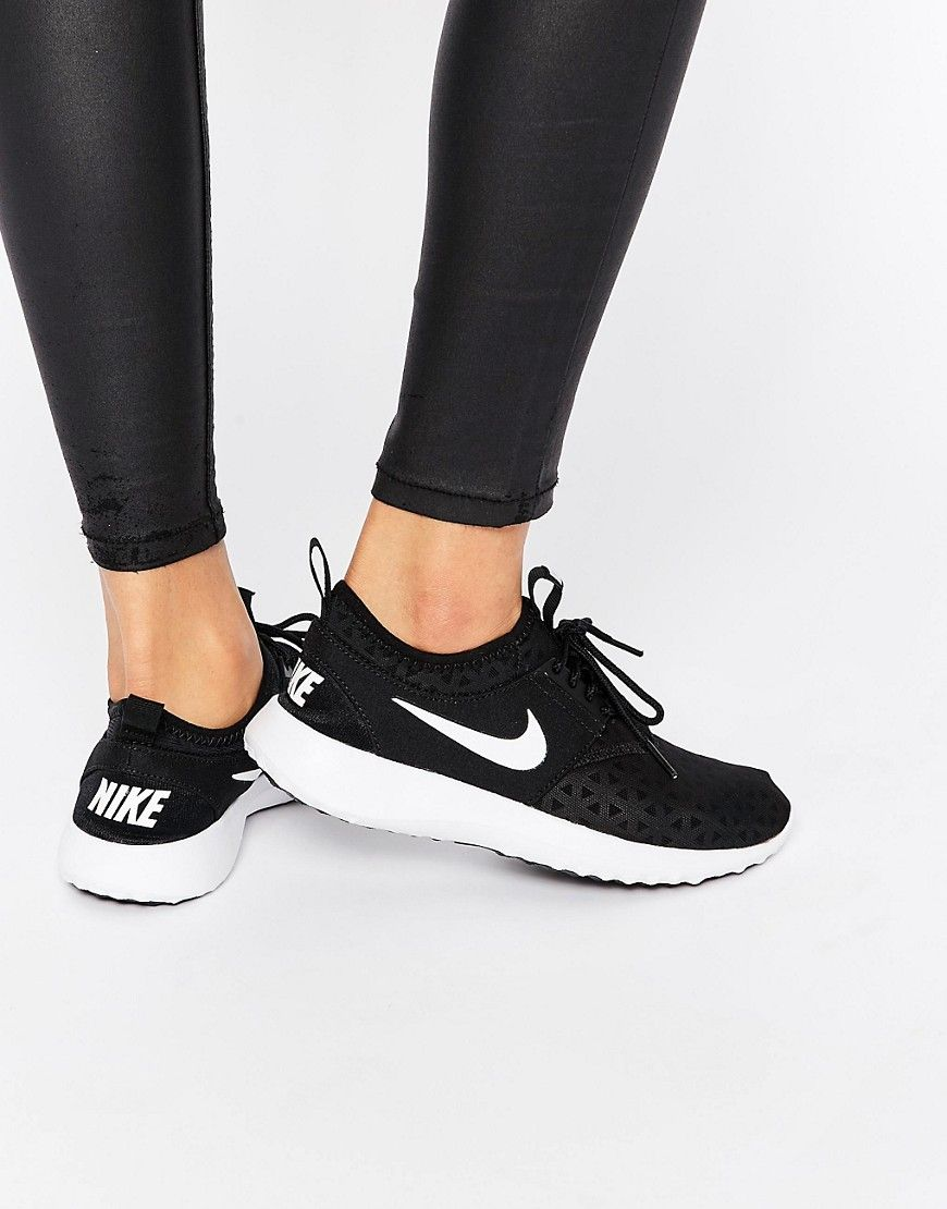 finest selection 51329 75392 Nike Black White Juvenate Trainers SEK947.35 från Asos