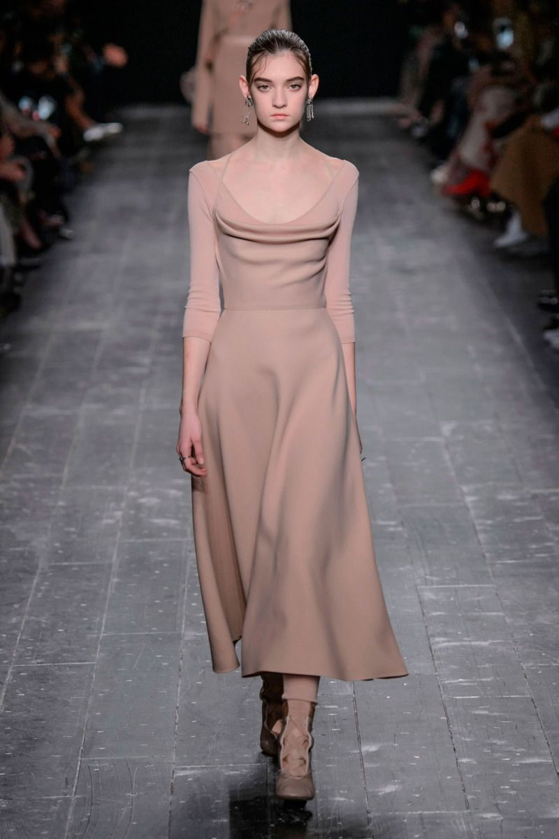 #Valentino #2016 #Fashion #Show #Fall2016 #pfw #Paris #Fashionweek via @TheCut