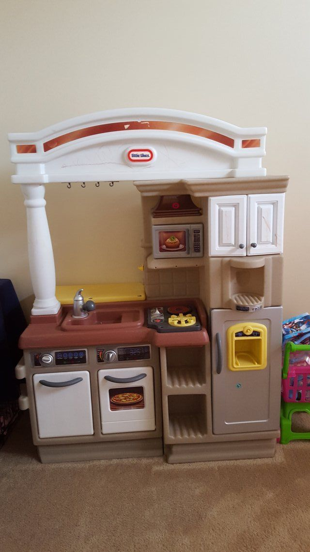 Used little tikes play kitchen. About 4ft high. | Kids play ...