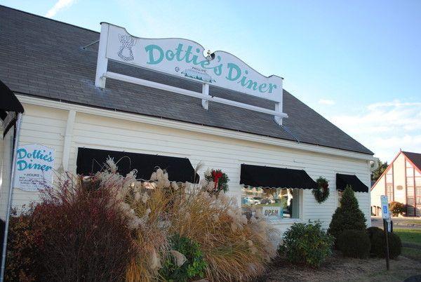 Dotties Diner In Woodbury Ct Connecticut Pinterest