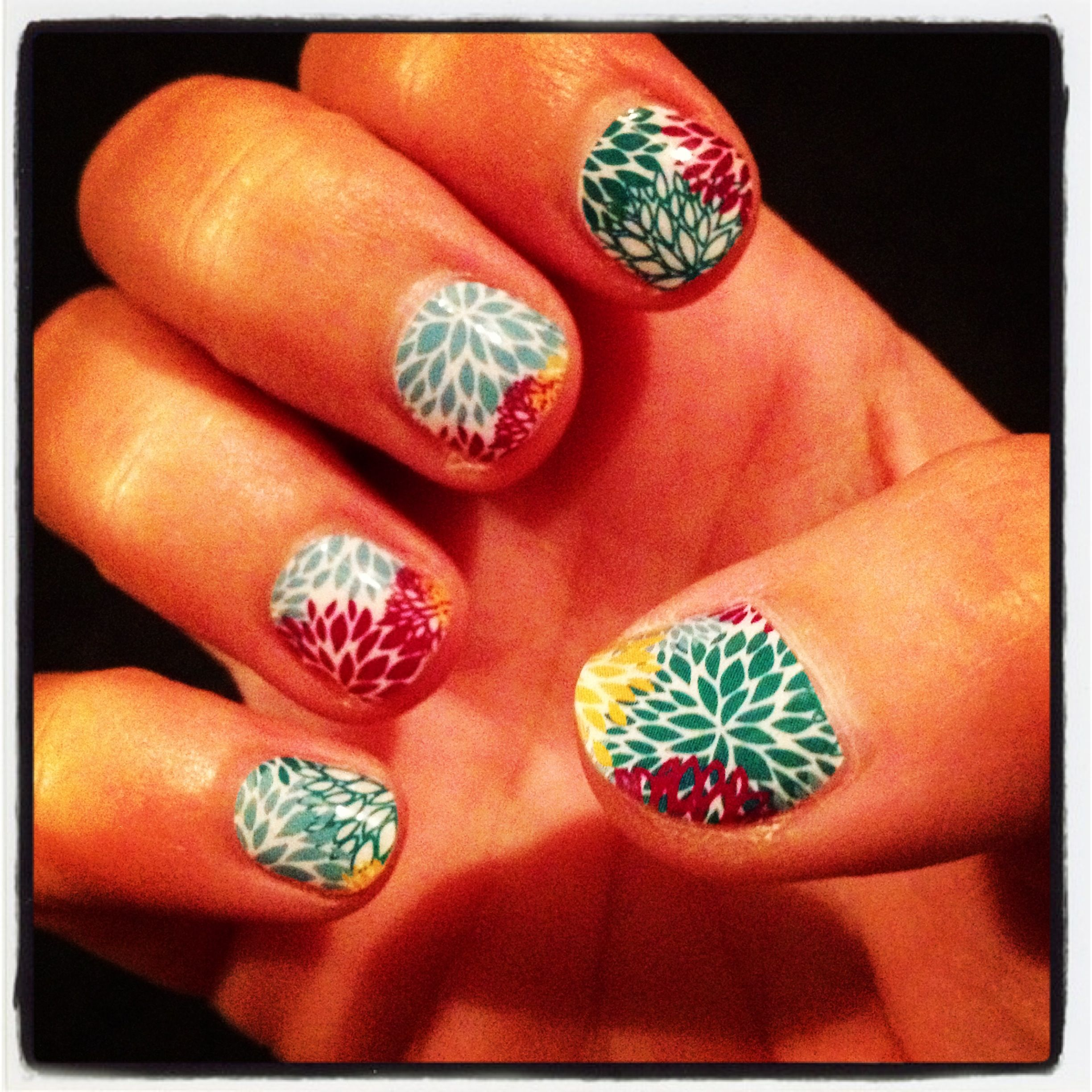 jamberry nails in puff flower