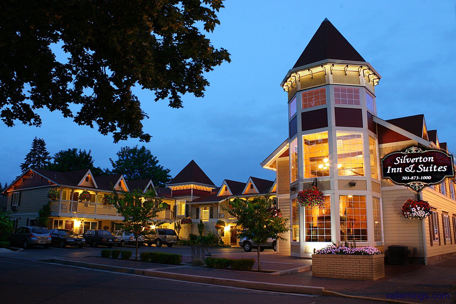 Rooms: Silverton Inn & Suites Is A Boutique Hotel Located In The