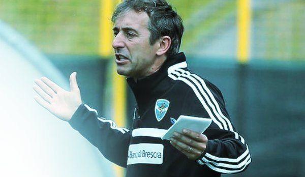 Marco Giampaolo, l'allenatore del Brescia, non si è presentanto nè ieri questa mattina all'allenamento della sua squadrahttp://tuttacronaca.wordpress.com/2013/09/23/marco-giampaolo-scomparso-perse-le-tracce-dellallenatore-del-brescia/