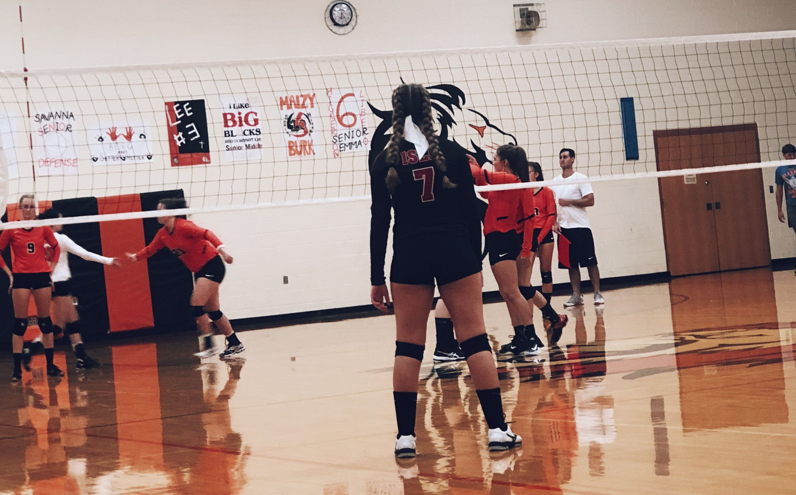 Pin By Jazmin Cabrera On Volleyball Volleyball Workouts Volleyball Inspiration Volleyball Pictures