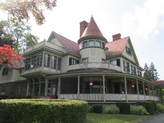 Idlwilde Inn - B&B in Watkins Glenn on Seneca Lake