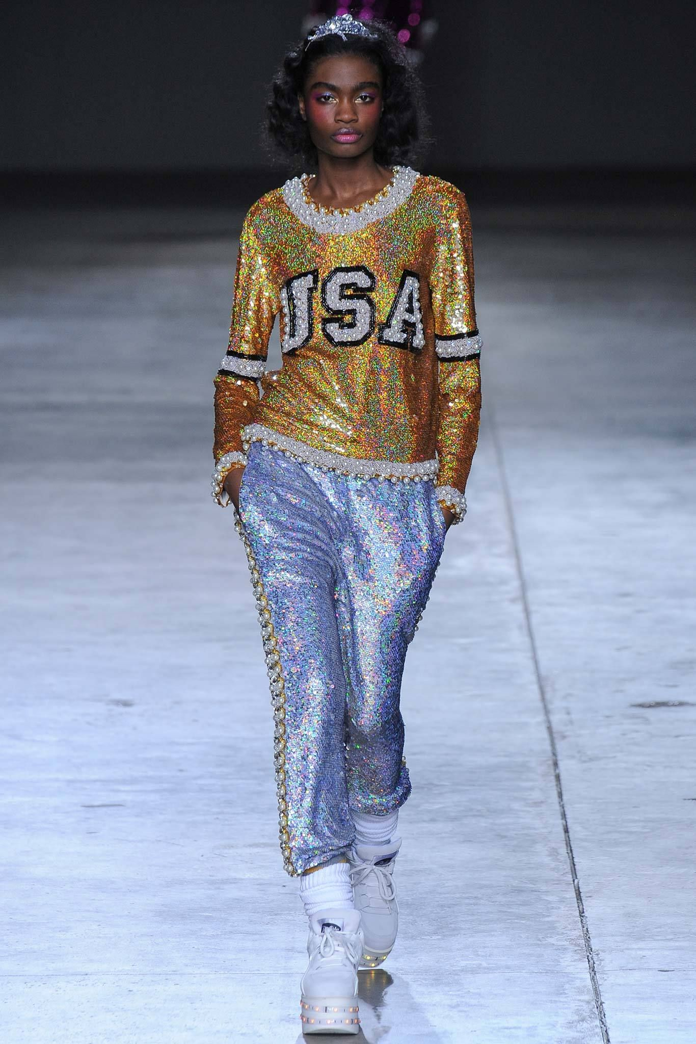 Ashish Fall 2014 Ready To Wear Collection Gallery Style Com Fashion Chicago Fashion Style Savvy Fashion Forward