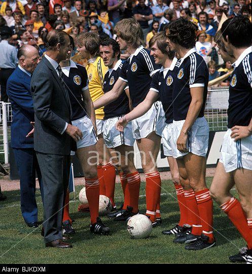 Stock Photo 04 06 77 International Friendly England V Scotland 1 2 Wembley London The Duke Of Edinburgh Prince Philip Is Introdu Scotland Wembley England