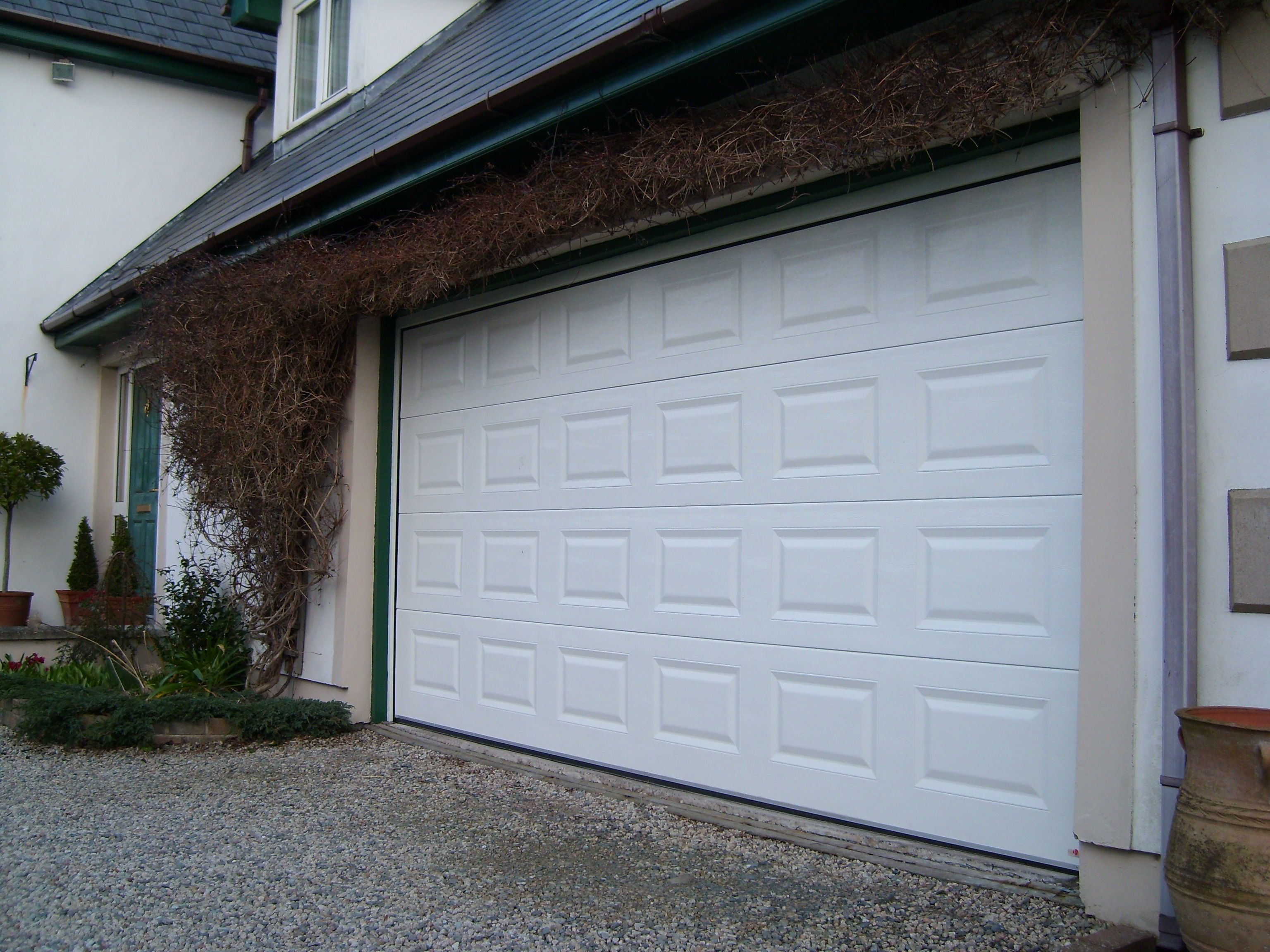 ThermAdor Residential insulated sectional garage doors are manufactured using Kingspan door panel and Kingspan components. & ThermAdor Residential insulated sectional garage doors are ... pezcame.com