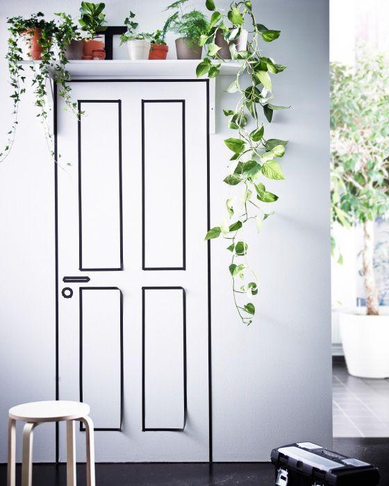 Une tablette murale plac e au dessus d 39 une porte est un endroit id al pour des plantes port - Vitre au dessus d une porte ...