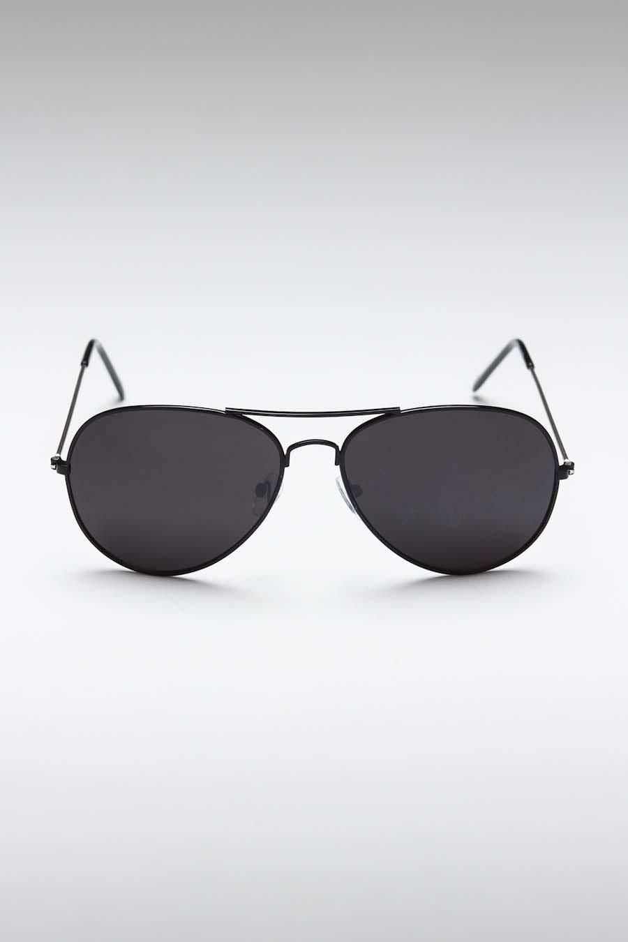 24eb5608af Ray-Ban Original Aviator Polarized Sunglasses---- Only the best.  VonMaur