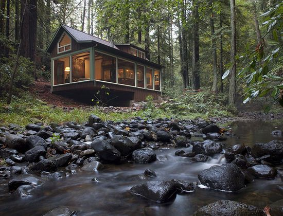 Pin By Laurie Carlson On Adorable Cottages House In The Woods Small House Swoon Charming House