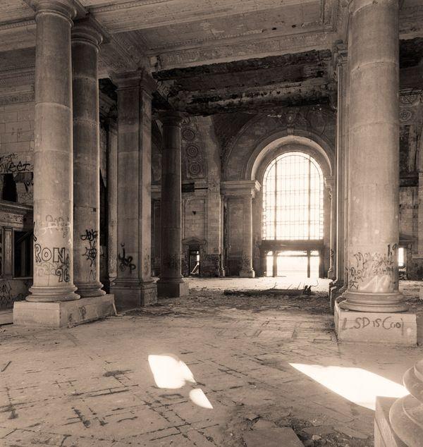 Mirabellicious ♥: Grandeur & Decadence: Detroit's Michigan Central Station