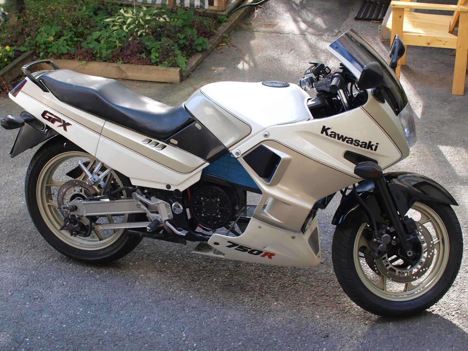 moto kawasaki gpx 750