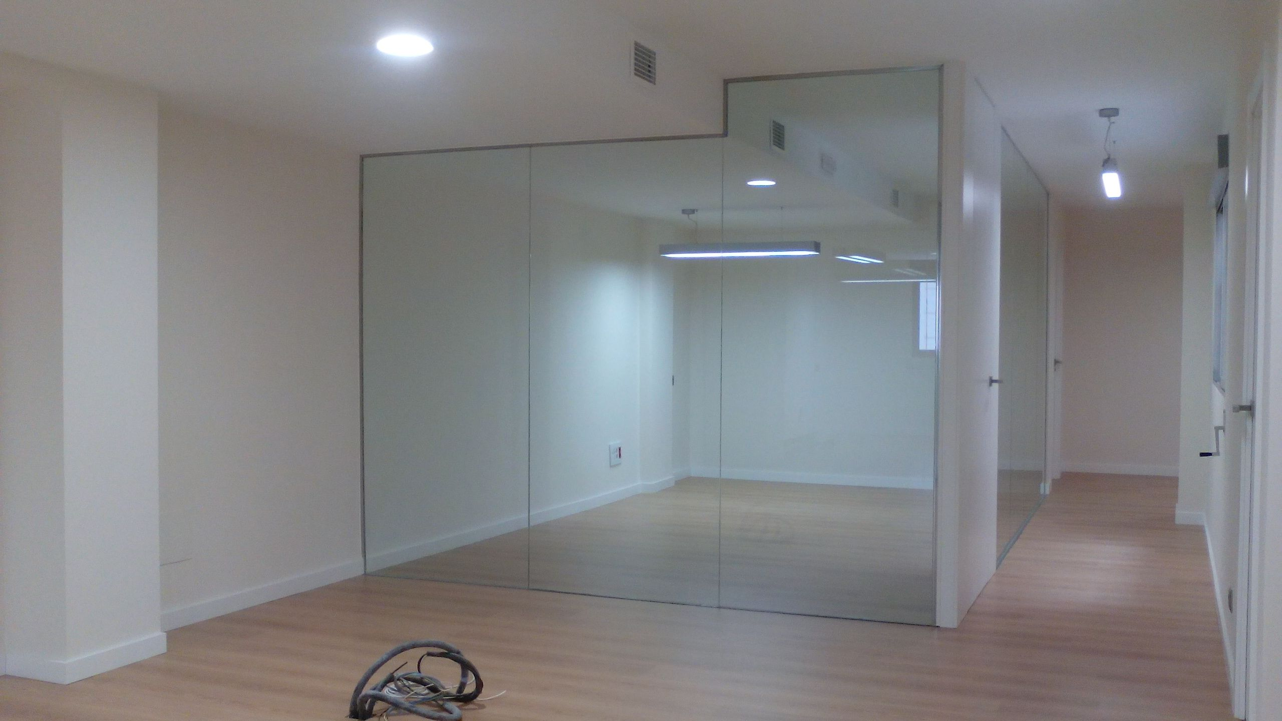 Reforma entreplanta locales para adecuarlas a oficinas - Tabiques de cristal para viviendas ...