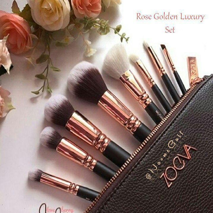 طقم فرش زويفا Rose Golden Luxury Set فرش سوداء اللون تاتي معها شنطه مصنوعه من الجلد ذات جودة عاليه تحتوي المجموعة على 8 فرشه Lipstick Powder Brush Beauty