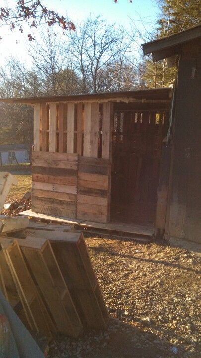 Pallet shed things i love cabanon - Baraque de jardin ...