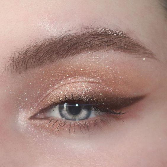 Karla Abelenda: 50 Perspektiven einfache Make-up-Ideen für den Abend