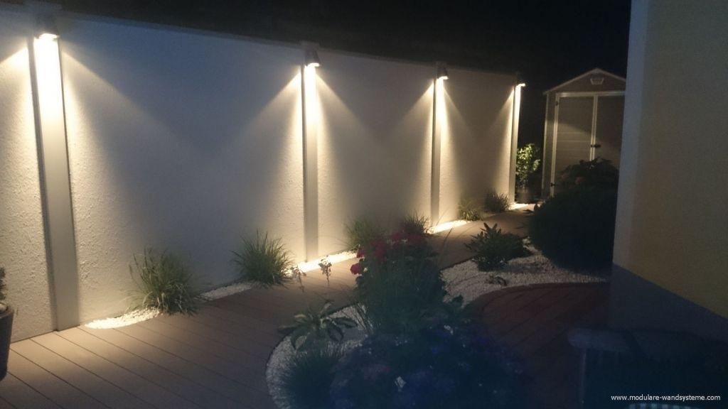 sichtschutzwand bei nacht mit beleuchtung garten pinterest sichtschutzw nde beleuchtung. Black Bedroom Furniture Sets. Home Design Ideas