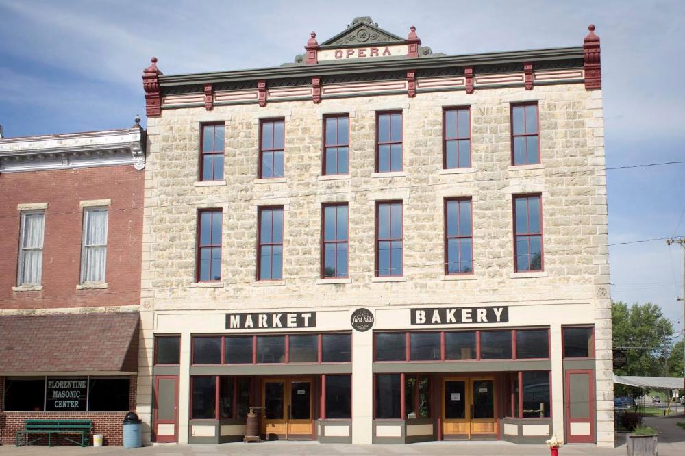For Fresh Lunchtime Meals, Visit The Flint Hills Market