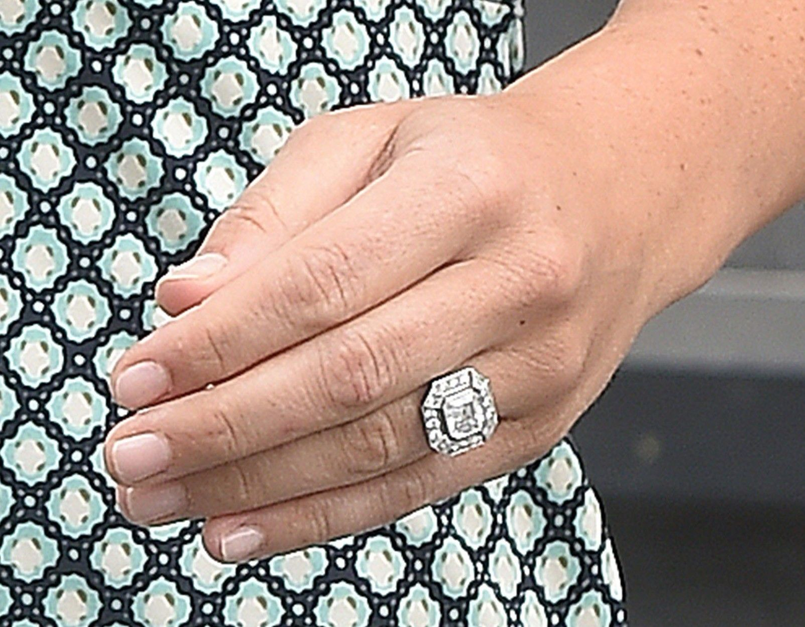 Everything You Want To Know About Pippa Middleton S Engagement Ring Via Whowhatwear