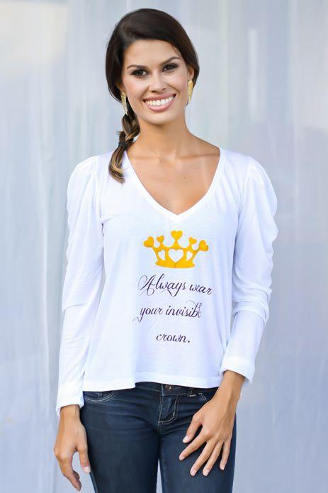 5dc056234 Blusa Estampa Coroa - Blusa em malha liocel, manga longa com pregas estilo  'princesa', com estampa de coroa em foli dourado. Decote V. Modelagem  soltinha.