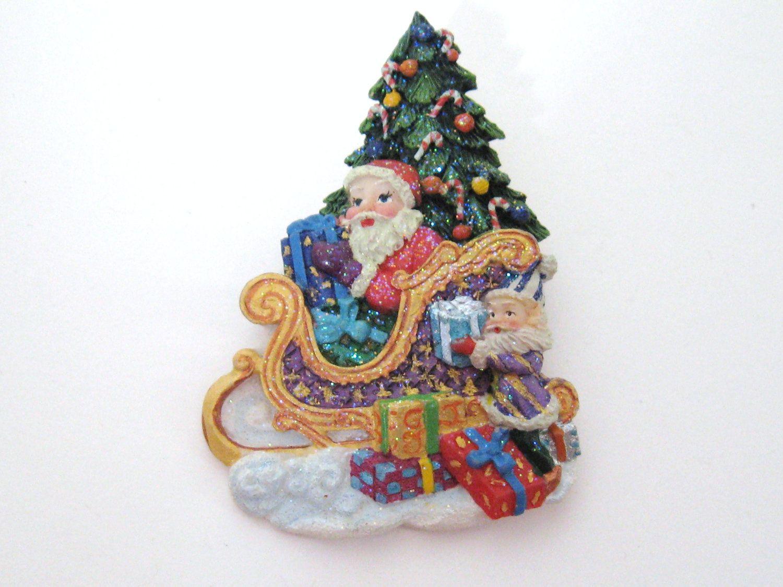 Vintage 1990er Jahre CHRISTOPHER RADKO Santa Schlitten & präsentiert Weihnachten Urlaub Brosche Pin Retro Sammler saisonalen Schmuck   – Coveted Castoffs