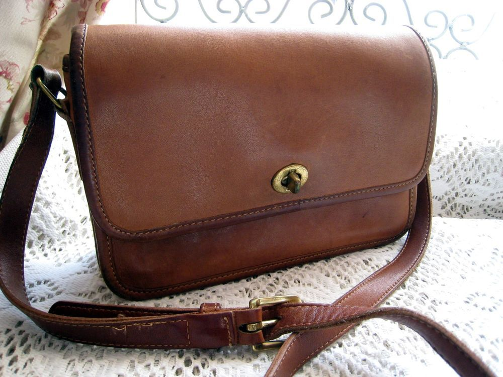8a2be3087903 Coach Compartment Bag Style  9850 - Cross Body - Shoulder Bag - Tan Leather   Coach  CompartmentBag9850