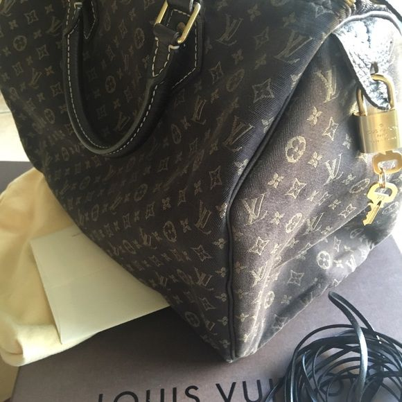 Loui Vuitton Mini Lin Speedy 30 💯 Authentic. In Good