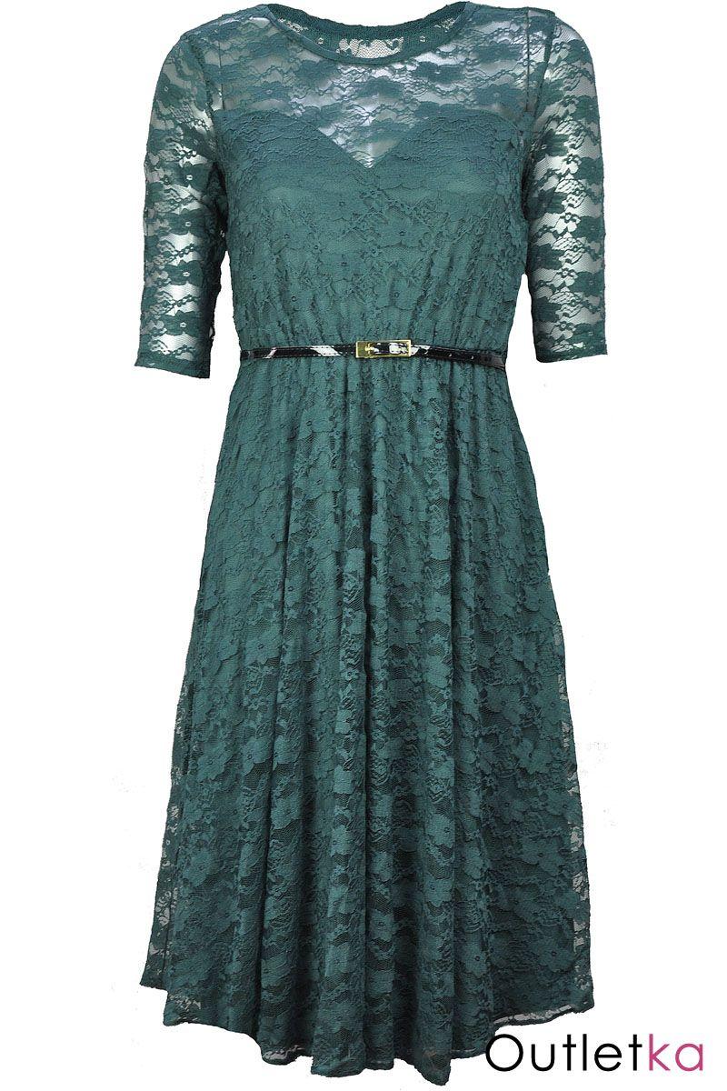 2d81f92df0be72 Cała uszyta z koronki. W pasie posiada wszytą gumkę, dzięki której  dopasowuje się do sylwetki. Rękaw o długości ½ . Dół sukienki  rozkloszowany. Sukienka ...