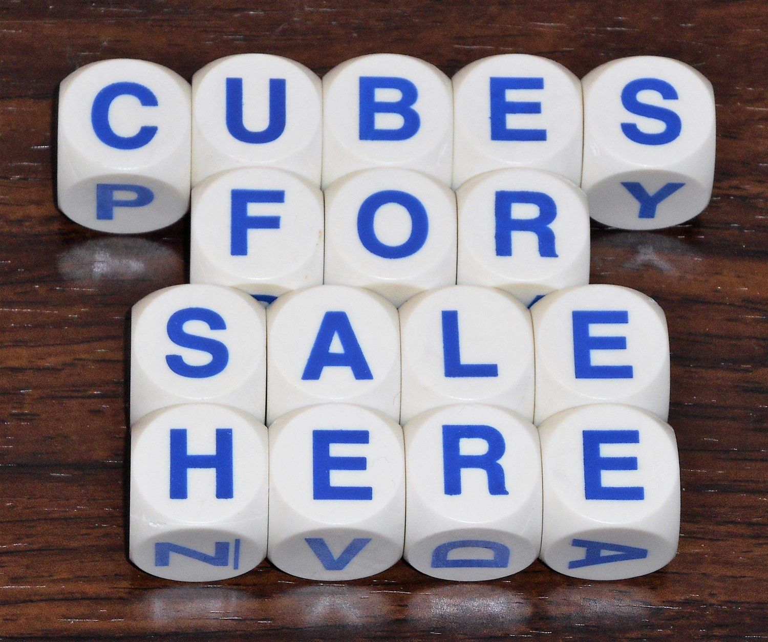 Boggle Game 16 Replacement Dice Cubes Plastic White Blue