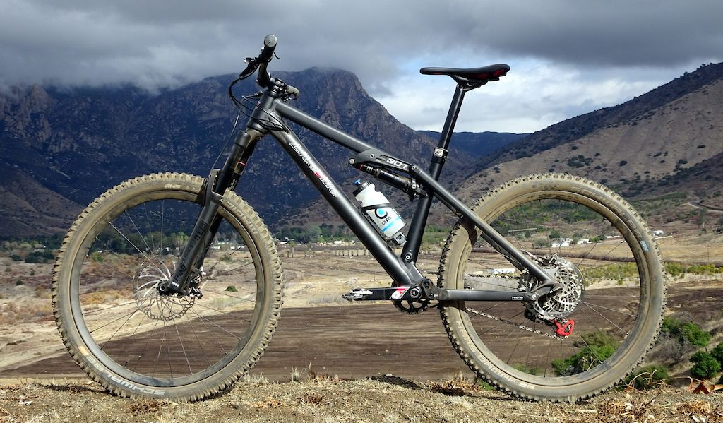 Eightpins Ngs1 Integrated Dropper Post Review Mountain Biking