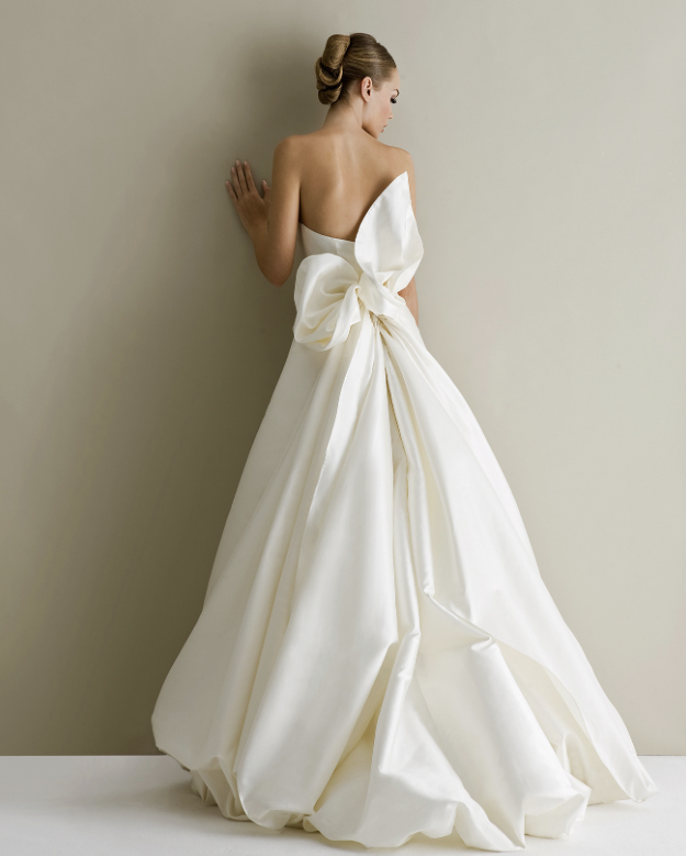 16 Non Traditional Wedding Dresses For The Modern Bride: Bold And Modern Antonio Riva Wedding Dresses