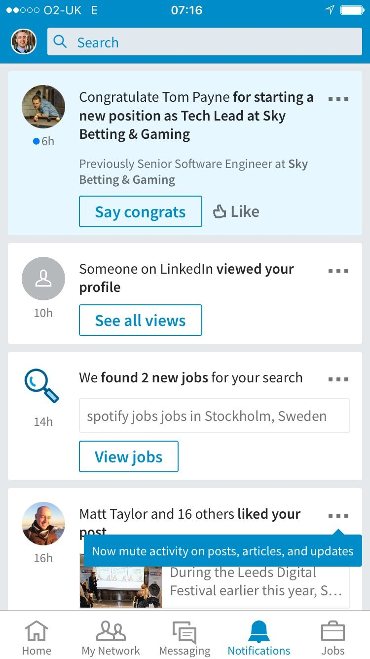LinkedIn iOS app new feature inline notification (With