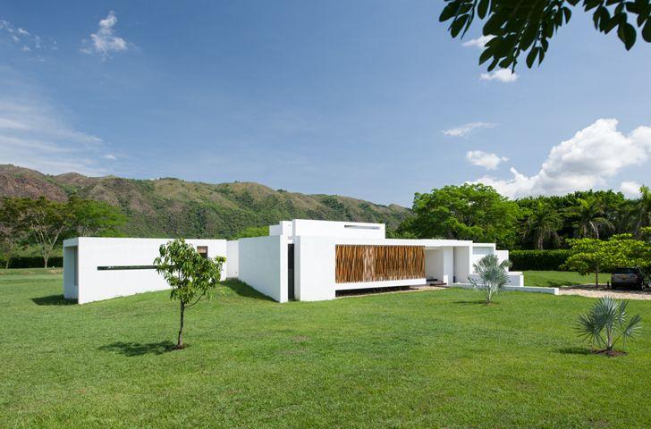 Casa de descanso minimalista viviendas arquitectura for Casa habitacion minimalista