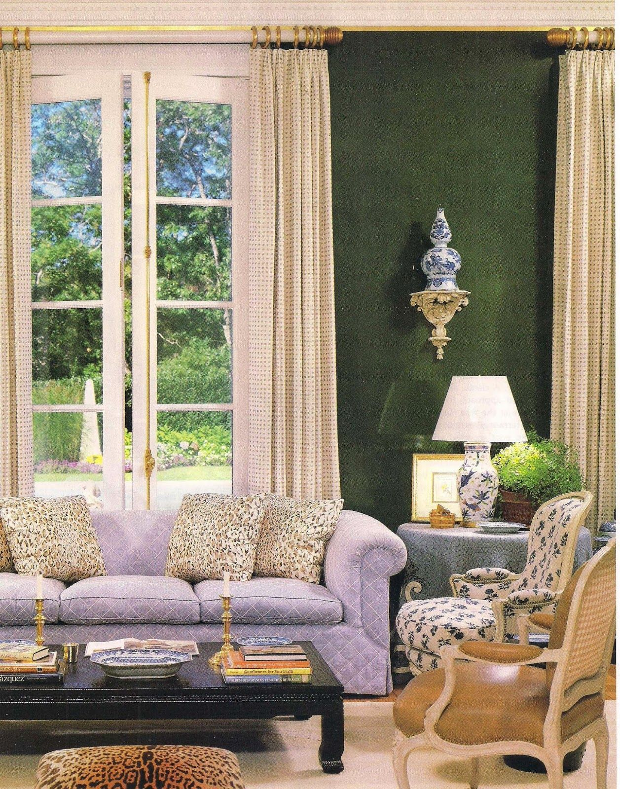 Green velvet walls, blue and white porcelain, lavender