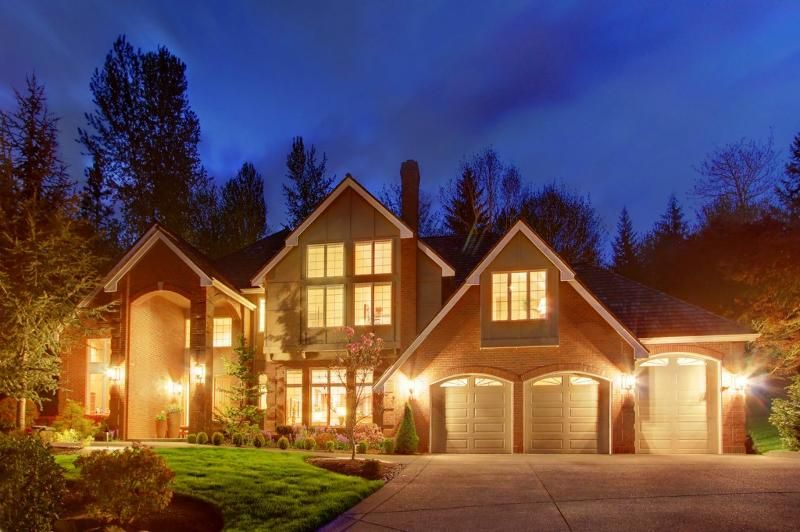 Beautiful Redmond estate w/magnificent private grounds & cascading rainbow terraces, real estate
