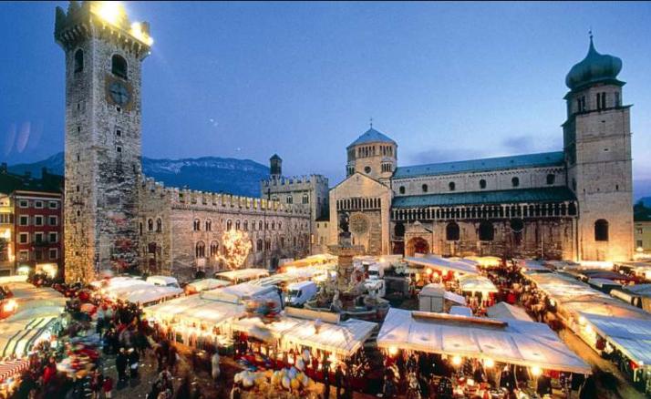 Mercatini Di Natale Trento 2020.Mercatini Di Natale Trentino Alto Adige Calendario Christmas In Italy Christmas Market Trento