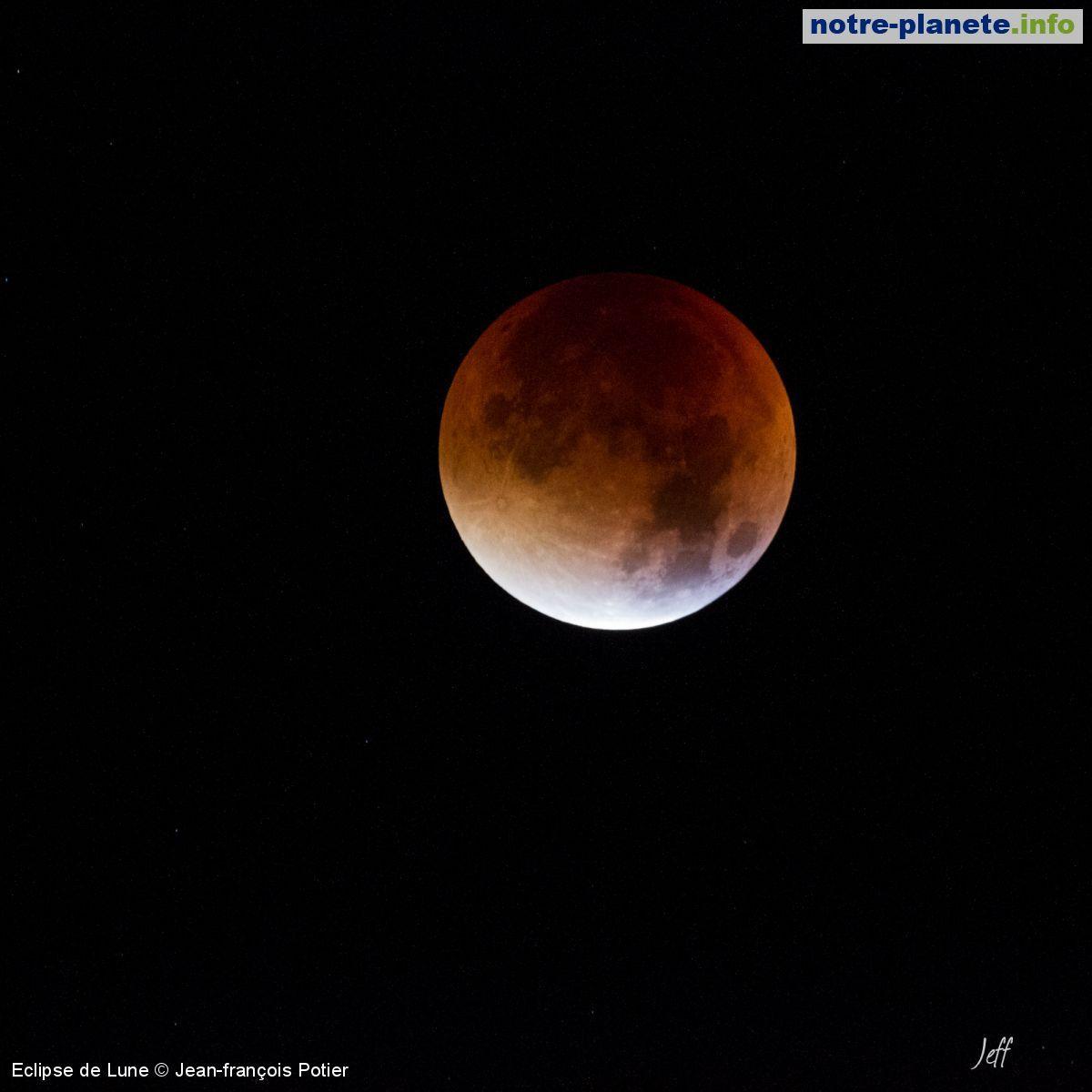 Eclipse de Lune = http://www.notre-planete.info/photos/5596-eclipse-lune-2015