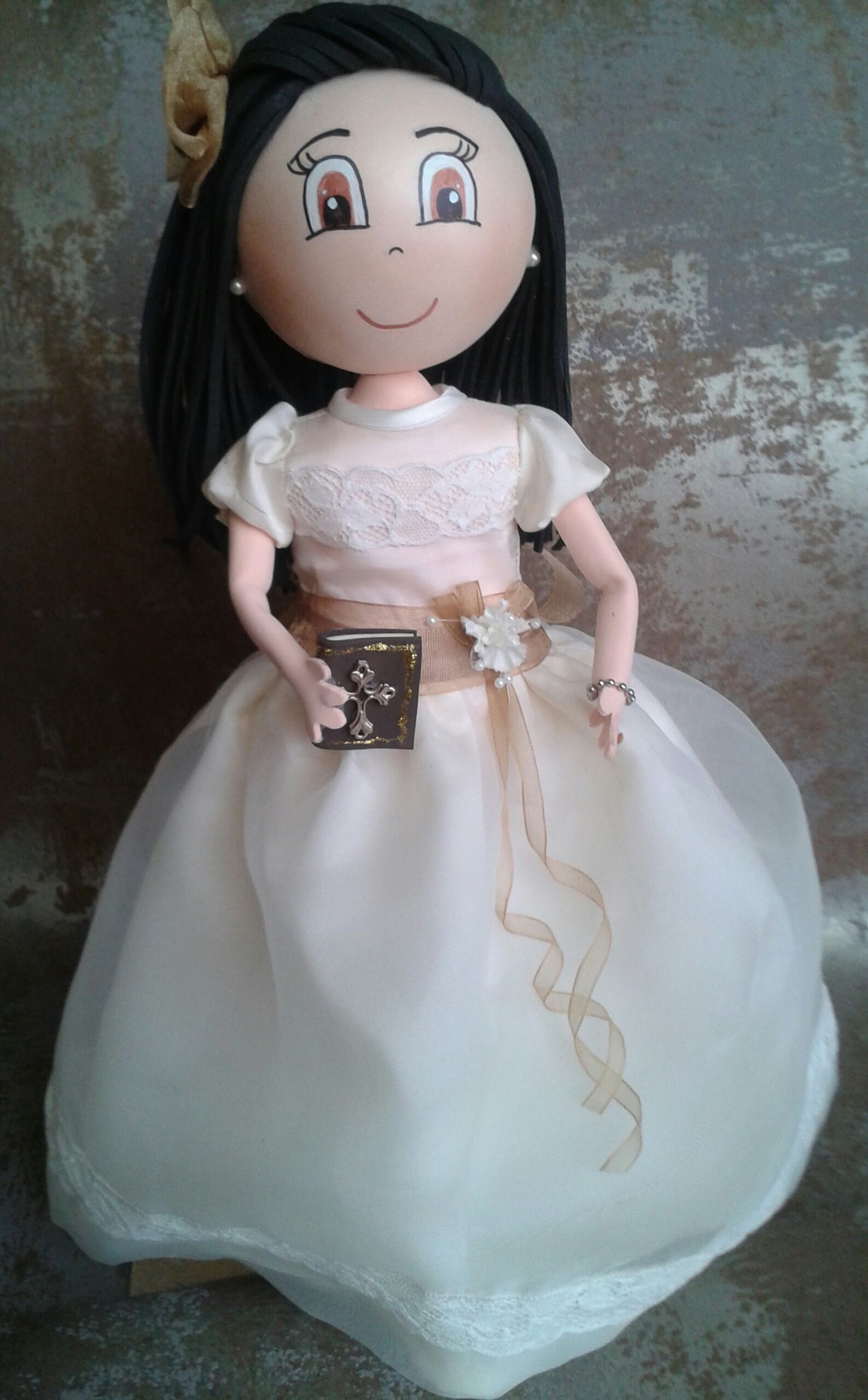 muñeca de comunion.Artesania y Manualidades Mariana