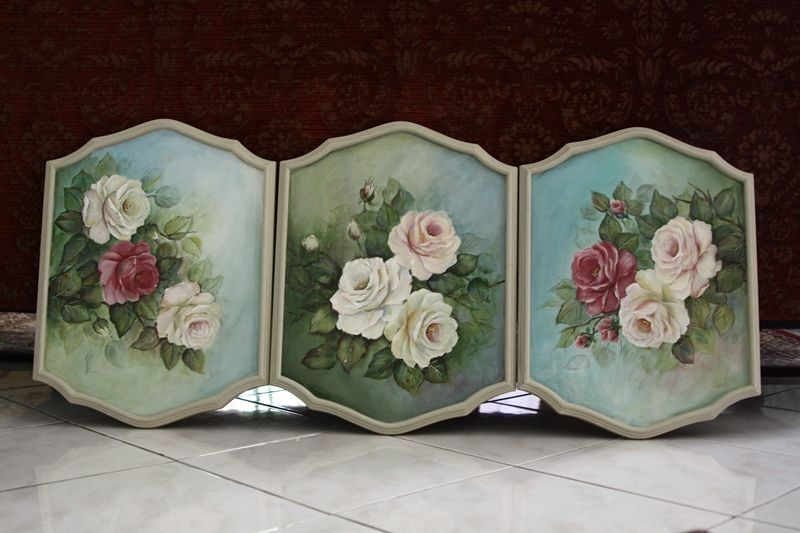 Rose triptych by Aniza (Malaysia). It's well worth taking a look at this blog http://decorative.typepad.com/aniza/photo_gallery/ for the variety of work. I can only pin small photos but have saved and uploaded a few larger ones.