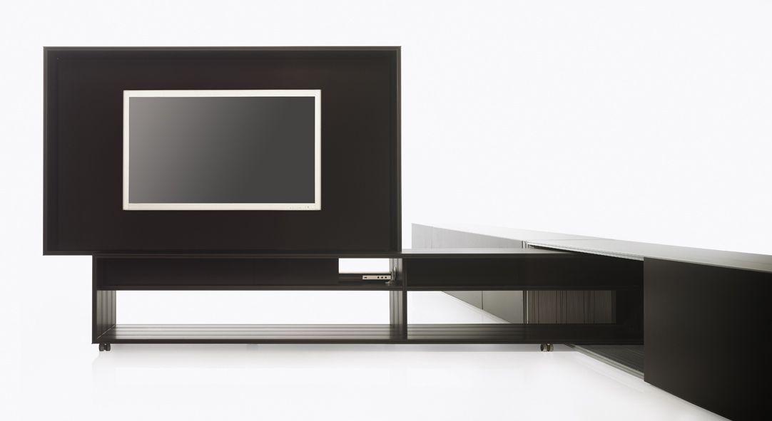 Mueble bancada salón con carrito TV. Diseño Pere Folch, residencial en Barcelona.